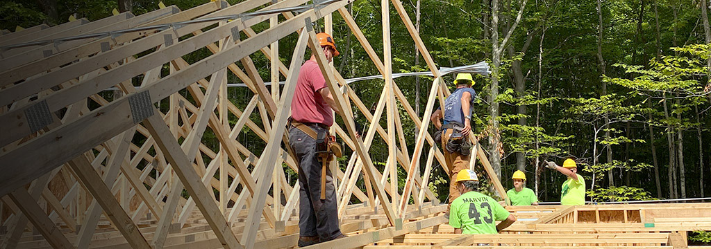 Door-County-Habitat-for-Humanity-home-build-roof-10.jpg